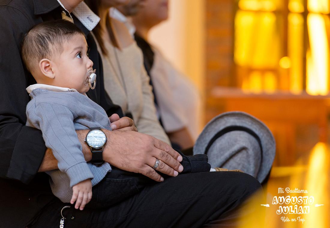 fotografo-de-bautismos-cordoba-fotos--infantiles-fotografia-misa-julian-niños-niñas-nenes-kids-on-top 002