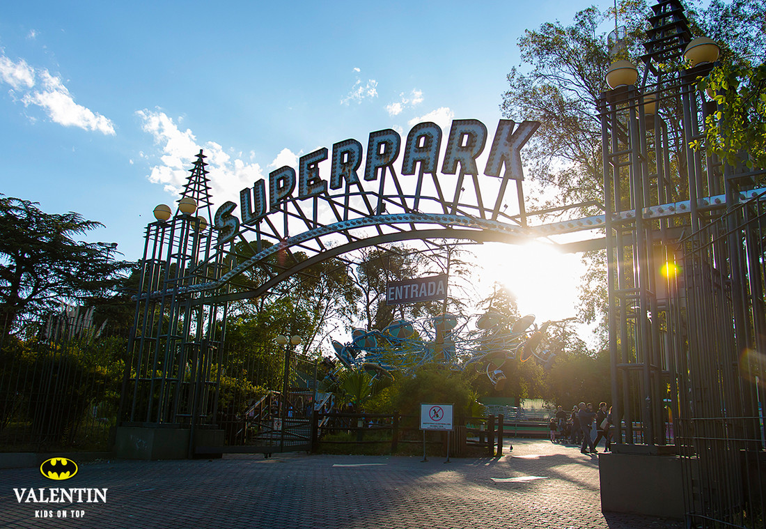 fotografia-de-cumple-cordoba-superpark-valentin-kids-on-top-festejo-9-años-nenes-chicos-evento-001