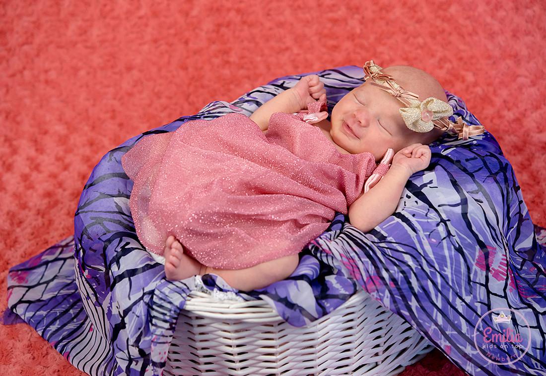 Emilia Newborn 057